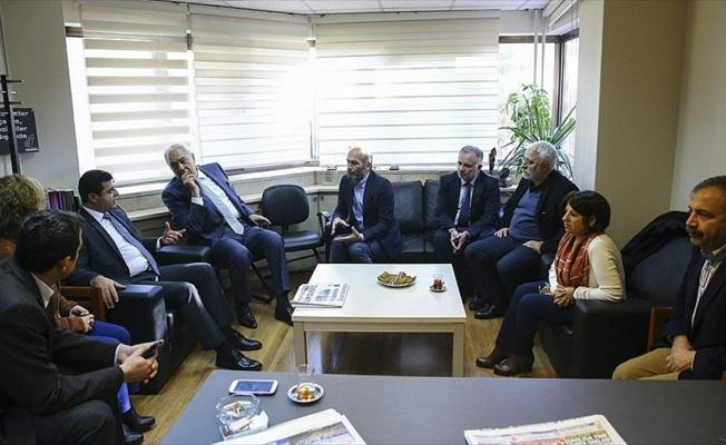 Demirtaş'tan Cumhuriyet gazetesine ziyaret