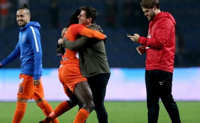 Adebayor'dan Galatasaray'a ikinci kez hat-trick