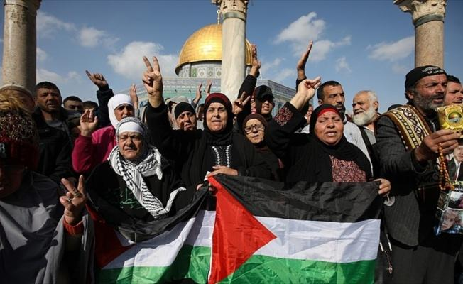 Mescid-i Aksa'da ABD'nin Kudüs kararı protesto edildi